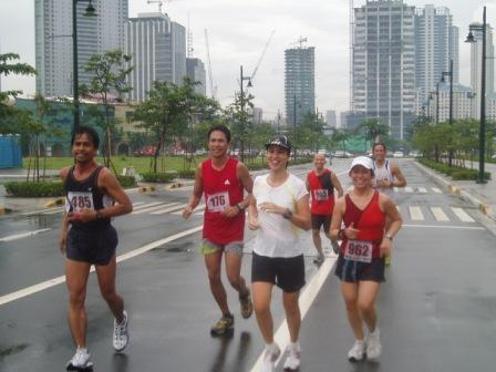Running with sporadic rainshowers. Luckily no white shorts here! (Leo, Joms, TBR, Jombet, Tiffin, Ben)