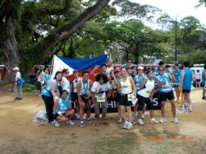 Proud Pinoys at the Singapore Marathon